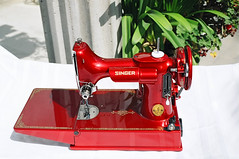 Candy Apple Red Singer 221 (dtropicaldude) Tags: red singer 221 candyapple featherweight candyapplered applered singerfeatherweight redsinger featherweight221 singerfeatherweight221 singer221 candyapplered221 candyappleredsinger221 restoredfeatherweight restoredsingerfeatherweight newlypaintedfeatherweight red221 redfeatherweight redsinger221 redsinger221featherweight redsingerfeatherweight