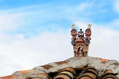 Típica cerámica quinua sobre el tejado