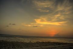 Gili Island (Bruno Ideriha) Tags: trip travel sunset sea praia beach canon indonesia island eos volcano mar asia southeastasia tourist viagem gili backpacker hdr gilitrawangan turista gilli mochileiro rebelxs 1000d