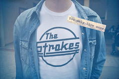 (Juanfry Martnez) Tags: blue jeans denim thestrokes yolo youonlyliveonce juanfry