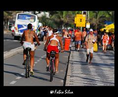 Leblon (Fábio C. Silva) Tags: summer sun sol praia beach bike sport riodejaneiro nikon rj cidademaravilhosa férias bicicleta verão turismo esporte ipanema leblon calor calçadão saúde pedalando d80 fábiosilva