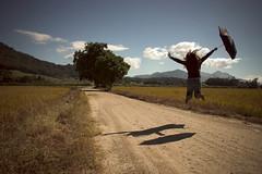 Alegria Desvairada (Pillmann) Tags: brazil woman brasil umbrella canon rebel jump 300d mulher madness join alegria 1855mm santacatarina pulo blumenau guardachuva aplusphoto desvairada