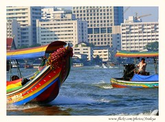Bangkok through my New Eyes (Araleya) Tags: beautiful river thailand boat asia southeastasia bangkok transport panasonic dailylife dynamics ih lively chaophrayariver fz50 taxiboat beautifullife beautfiul araleya colorphotoaward aplusphoto theperfectphotographer goldenart