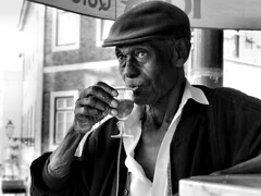 Cheers!! (Rui Palha) Tags: street people urban blackandwhite bw blackwhite ruipalha