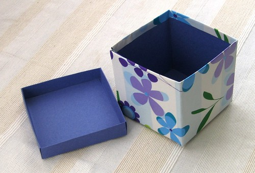 purple box with inside lid