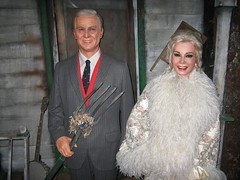 This was a pretty good likeness of Green Acres' Eva Gabor and the late Eddie Albert who just died last May. (10/29/05)