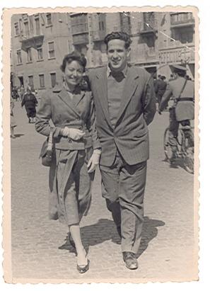 Joaquín y Loli en Cartagena, 1956