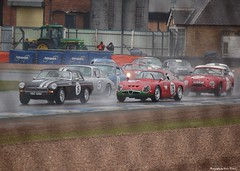 The pack heads through Redgate (Si 558) Tags: park sports race grande euro meeting grand racing historic prix series masters gt endurance gentleman gp drivers association passione donington doningtonpark hgpca mastersracingseries