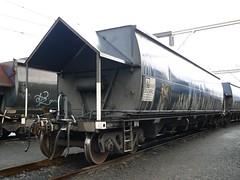 steel coal hopper (sth475) Tags: railroad wet rain train wagon railway coal hopper nhvf
