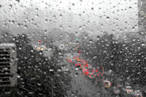 Apa de ploaie ...  by claudiunh