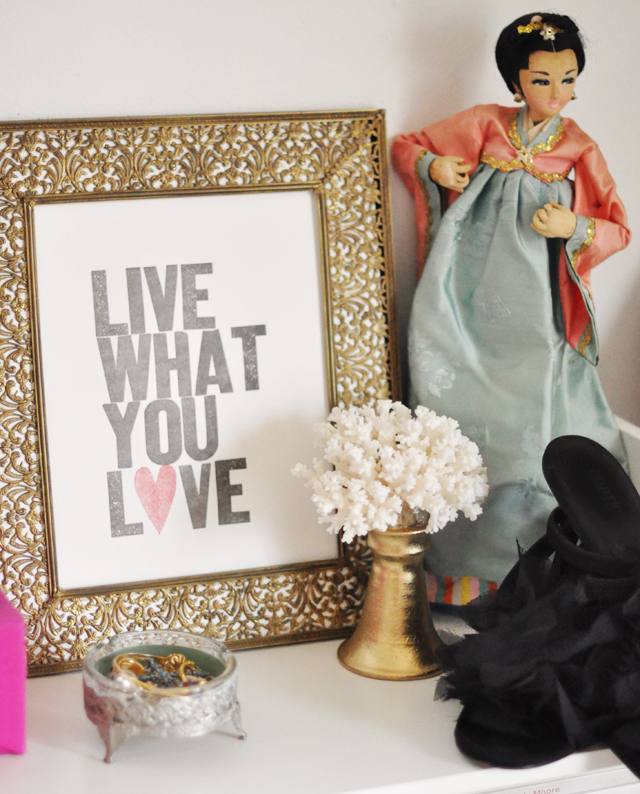 Live what you love print  and   Eduardo Garza coral sculpture DIY