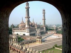 Lucknow Bara Imambara (jmanj) Tags: city india cities streetscene mosque lucknow uttarpradesh urbanindia baraimambara