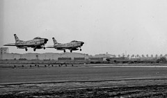 North American F-86L at Fresno in 1961 (Lance & Cromwell) Tags: california air airplanes guard jet sabre national fresno usaf f86 northamerican oldplanes warplanes oldfresno f86l dogsabre