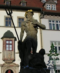 Poseidon in Weimar (:Linda:) Tags: sculpture house man window fountain stone germany naked town weimar thringen clothing fenster skulptur thuringia nackt clothes console poseidon gaupe dormer kleidung erker gaube thuringian baywindow dreizack bekleidung orielwindow dachgaupe dachgaube manmadeofstone moreorlessnaked