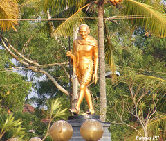 Golden Image of MKG (Binnies) Tags: kerala gandhiji mahatmagandhi fatherofnation kollambeach