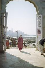 probably same tomb (Jennifer Kumar) Tags: islam tomb bombay mumbai india1998 negativescanmuslim