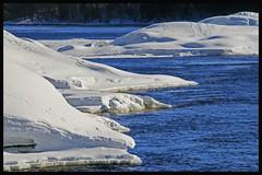Les plages du Qubec ! (inde07 (Andr Veilleux)) Tags: blue winter snow water canon rebel eau hiver lac qubec neige rivires xti 400d proudlychopped showmeyourqualitypixels