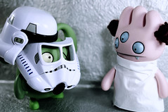 Aren't you a little.... (revlimit) Tags: toys starwars nikon vinyl sigma ox explore armor stormtrooper tray spudtrooper uglydoll deathstar lightbox leia uglydolls 96 d300 28mm18 moviescenerecreation mastermindedbymybrilliantwife traydressbyme trayhairbysarah oxcostumebymrpotatohead