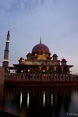 Putrajaya Mosque (CW Cheng) Tags: city longexposure travel urban tourism landscape sony islam mosque malaysia kualalumpur putrajaya a200 masjid cultural putrajayamosque putrajayalake