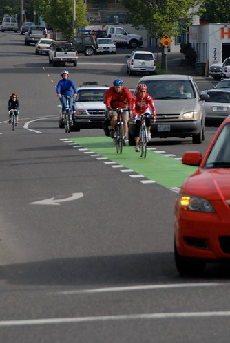Green bike lanes-4.jpg by BikePortland.org.