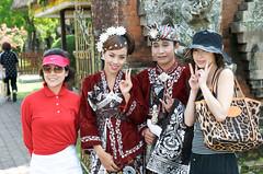 Asian vs Asian (williwieberg) Tags: bali indonesia temple d3 balinese puratamanayun 2470mmf28g