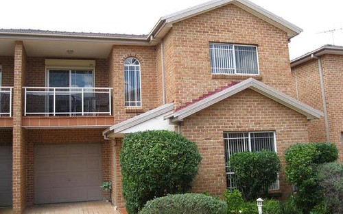 2/58 HOXTON PARK Rd, Liverpool NSW 2170