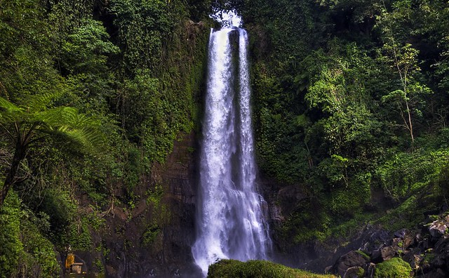 Gitgit Waterfall Permutaran Lovina