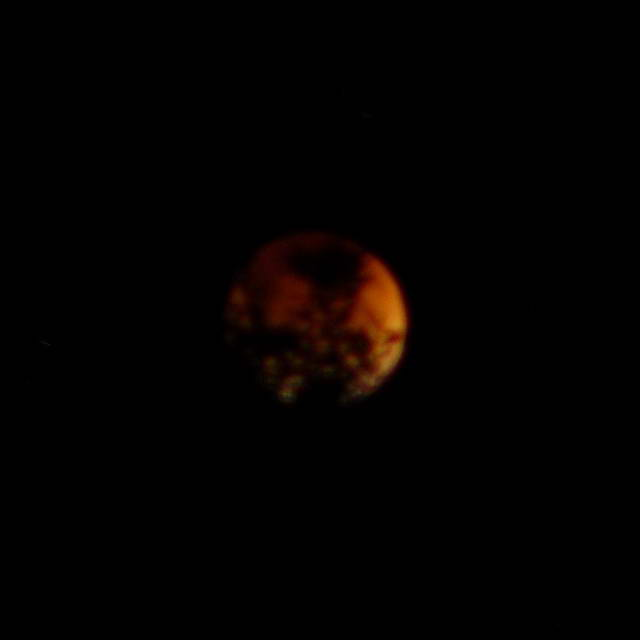 4. Lunar eclipse, 2007-08-28 10:04:11 UT (photographer: Michael McNeil)