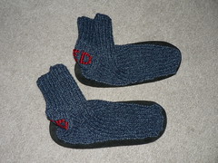 "2006-01-28 Red's slipper socks 002 • <a style=""font-size:0.8em;"" href=""http://www.flickr.com/photos/20166766@N06/1975643406/"" target=""_blank"">View on Flickr</a>"