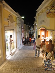 Santorini Fira's street (brunombo) Tags: street sea vacation food night relax island greek lights volcano town strada mare village santorini greece grecia luci notte cibo vacanza vulcano thira fira isola paese cicladi villaggio arcipelago