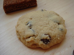 9 O'Clock: Chewy Walnut Chocolate Chips Cookie
