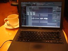 喫茶店で作曲