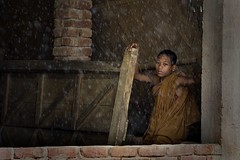 rainy day (janchan) Tags: poverty portrait orange rain children lluvia war retrato burma documentary monk monaco orphanage myanmar pioggia ritratto bangladesh reportage povert pobreza chittagong novice marma rangamati birmania novizio hilltracts platinumphoto whitetaraproductions