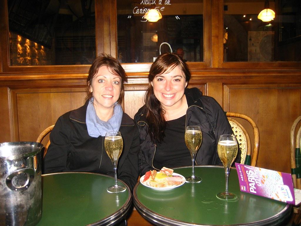 Champagne in Le Marais