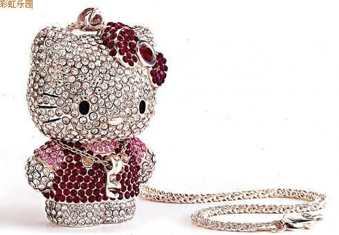 joya Hello Kitty en 3d con diamantes