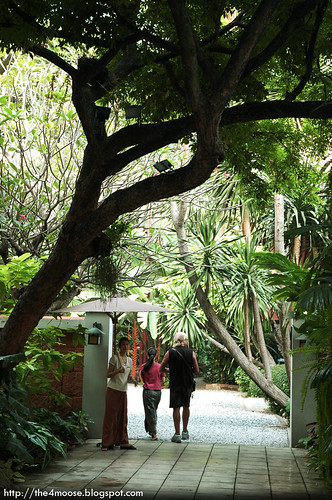 Jim Thompson House Museum - Couple