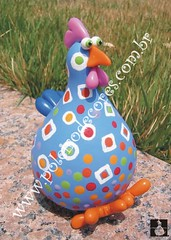 ref.096 (POLEIRO DE CORES) Tags: galinha artesanato biscuit colorido galinhas cabaa