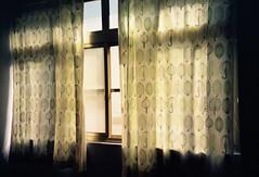 31  -033.jpg (Kerb 汪) Tags: film lomo lca room kaohsiung curtains kerb chung agfaultra100 ★ agfaoptimasensor lcaplus lcafilm001 kerbwang