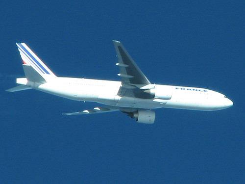 Being overtaken by a Air France Boeing 777-228/ER