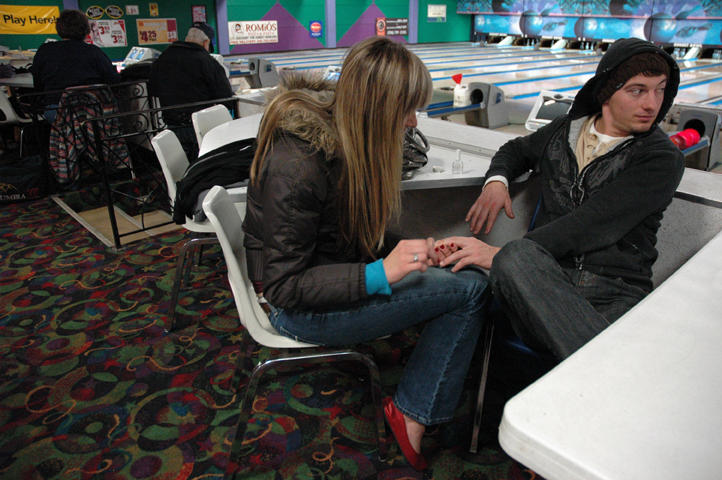 girl painting boys nails at bowling alley_1 web