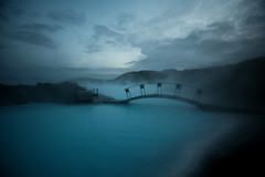 steambridge (sgoralnick) Tags: bridge blue mist fog iceland steam canon5d spa geothermal vapor bluelagoon hotsprings blalni canon1635mmf28l grindavik canonef1635mmf28liiusm