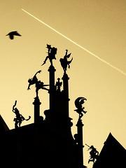 Jesters (Amaury Henderick) Tags: silhouette airplane belgium belgique pigeon silhouettes belgi ghent gent gand avion silhouet jesters vliegtuig duif narren silhouetten metsershuis