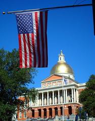 Boston, Massachusetts State House (hypersquall) Tags: massachusetts unitedstatesflag bostonstatehouse
