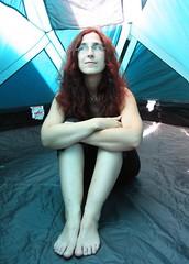 Kathrin im Zelt