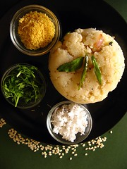 Upma with garnish (shubhangi athalye) Tags: food india coconut indian homemade sev coriander semolina chillies garnish daal shred ghee upma urad kadipatta