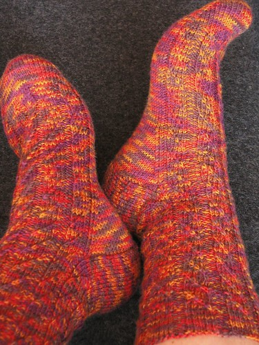 Diagonal Cross-Rib Socks