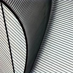 calatrava (Bim Bom) Tags: lines architecture square steel curves calatrava