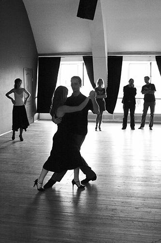 tango in black