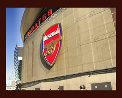 Gunners badge (puddephattcolin) Tags: football arsenal serif emeraitesstadium