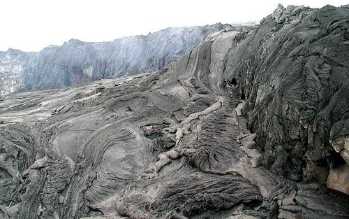 1909166878 ba307653f6 Danger and Beauty of Hawaiian Volcanoes